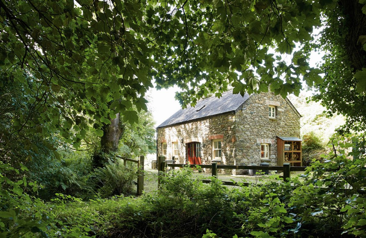 Click here for more about Cwm Bach