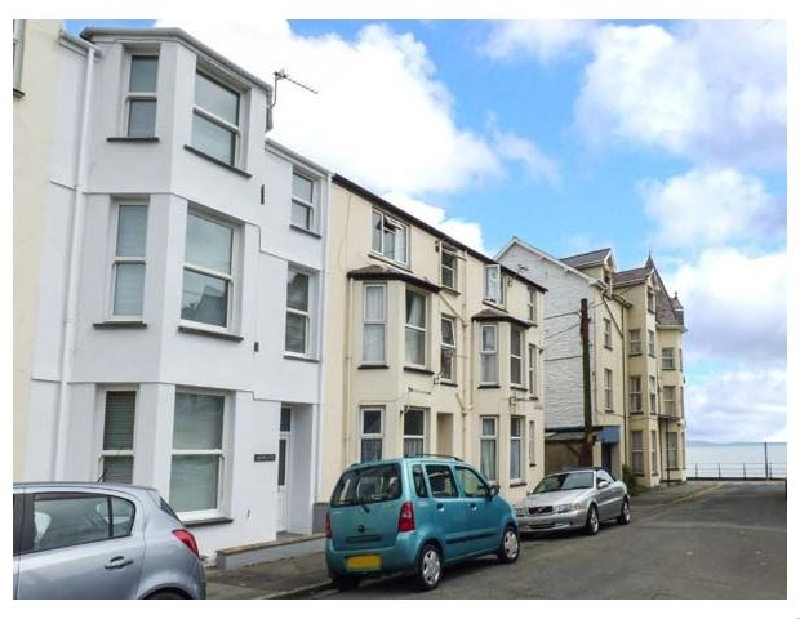 Welsh holiday cottages - Y Castell Apartment 3