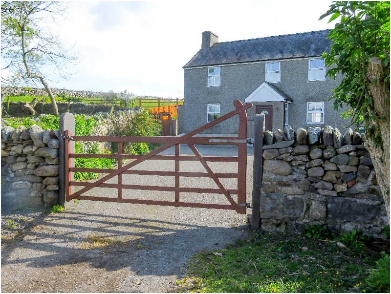 Welsh holiday cottages - Hen Dy