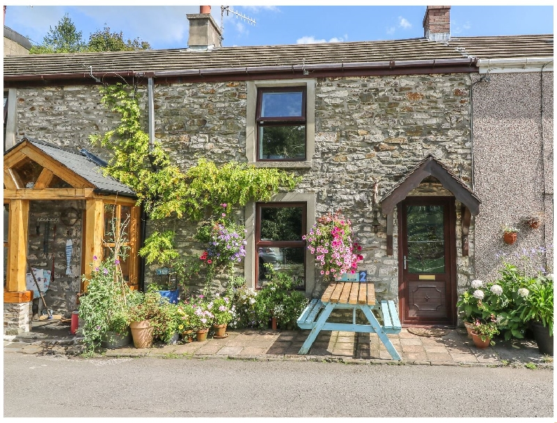 Click here for more about 2 Graig Cottages