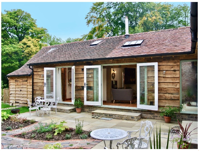 Click here for more about Nest Holiday Hideaway | Dove Cottage