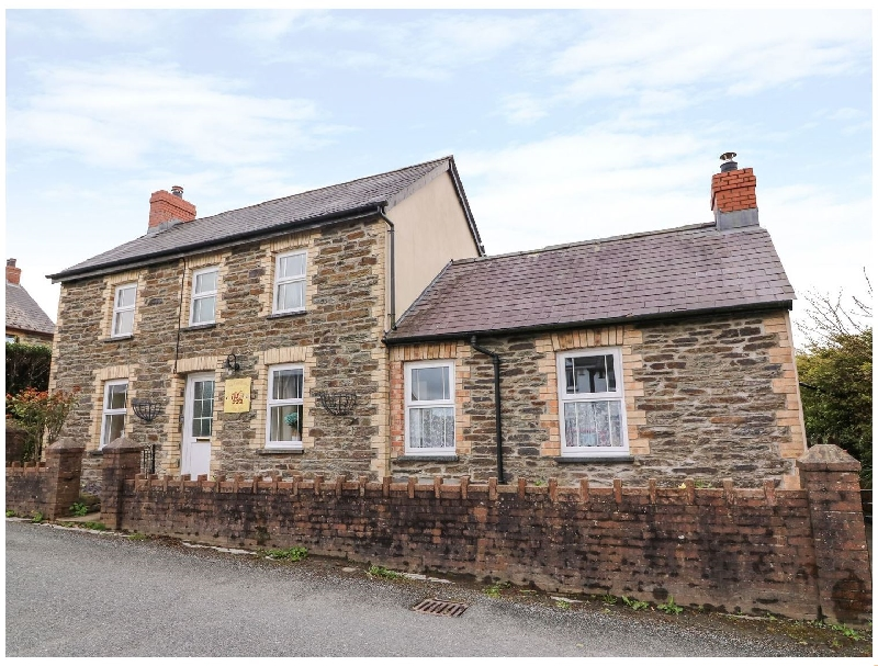 Welsh holiday cottages - Cozy Cwtch Cottage