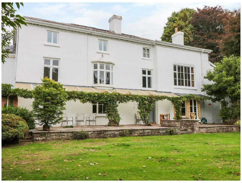 Welsh holiday cottages - Pentre Court