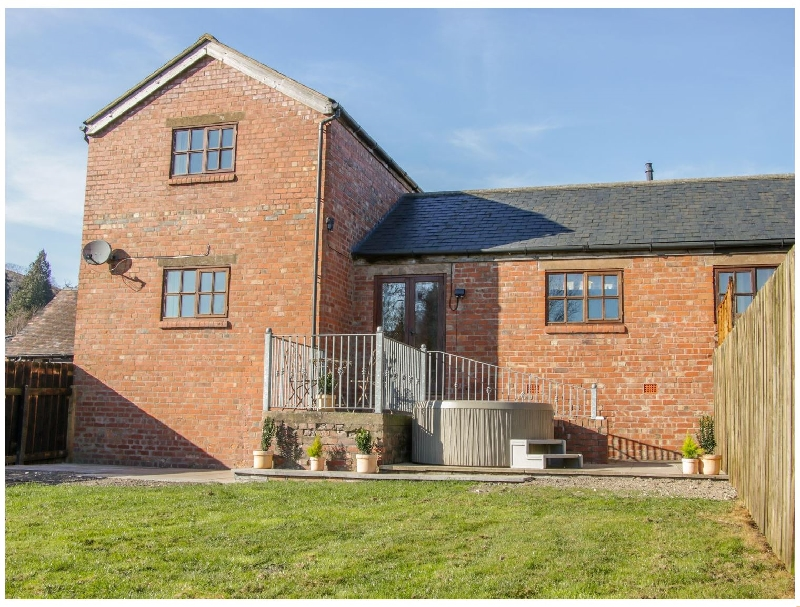 Click here for more about Old Hall Barn 2