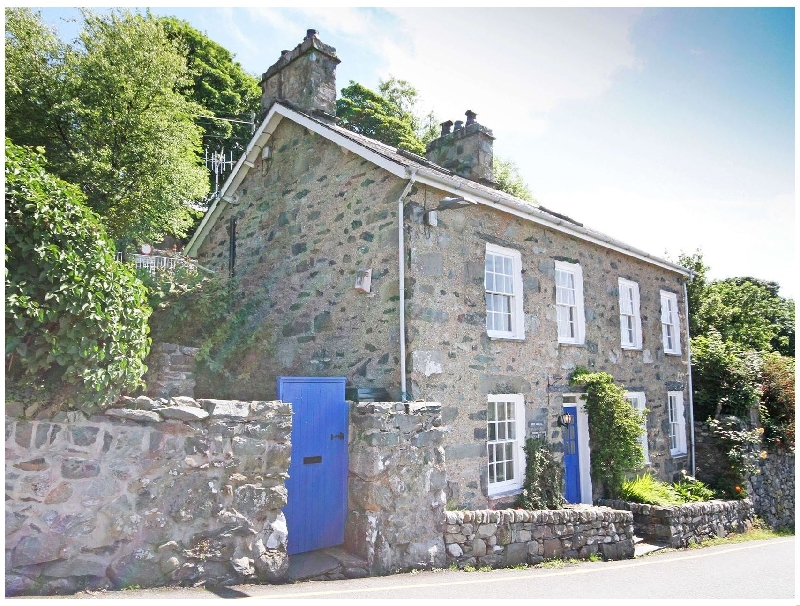 Welsh holiday cottages - Bron Castell