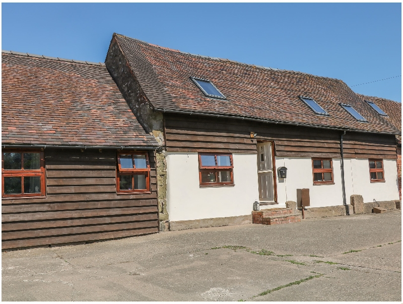 Click here for more about Old Hall Barn 3